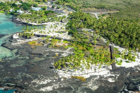 Puuhonua O Honaunau National Historical Park, Big Island Hawaii ©HTA by Cameron Brooks